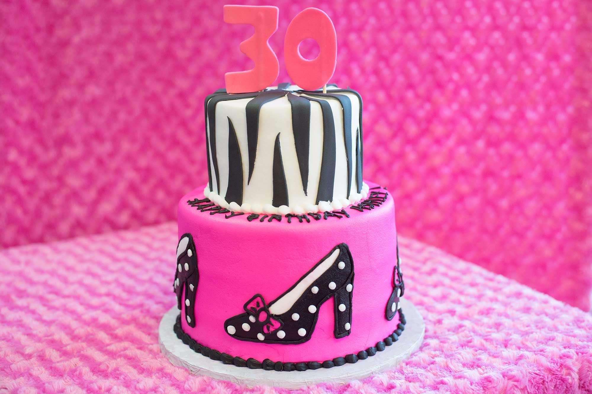 missmuffin-heelsbirthdaycake-2000
